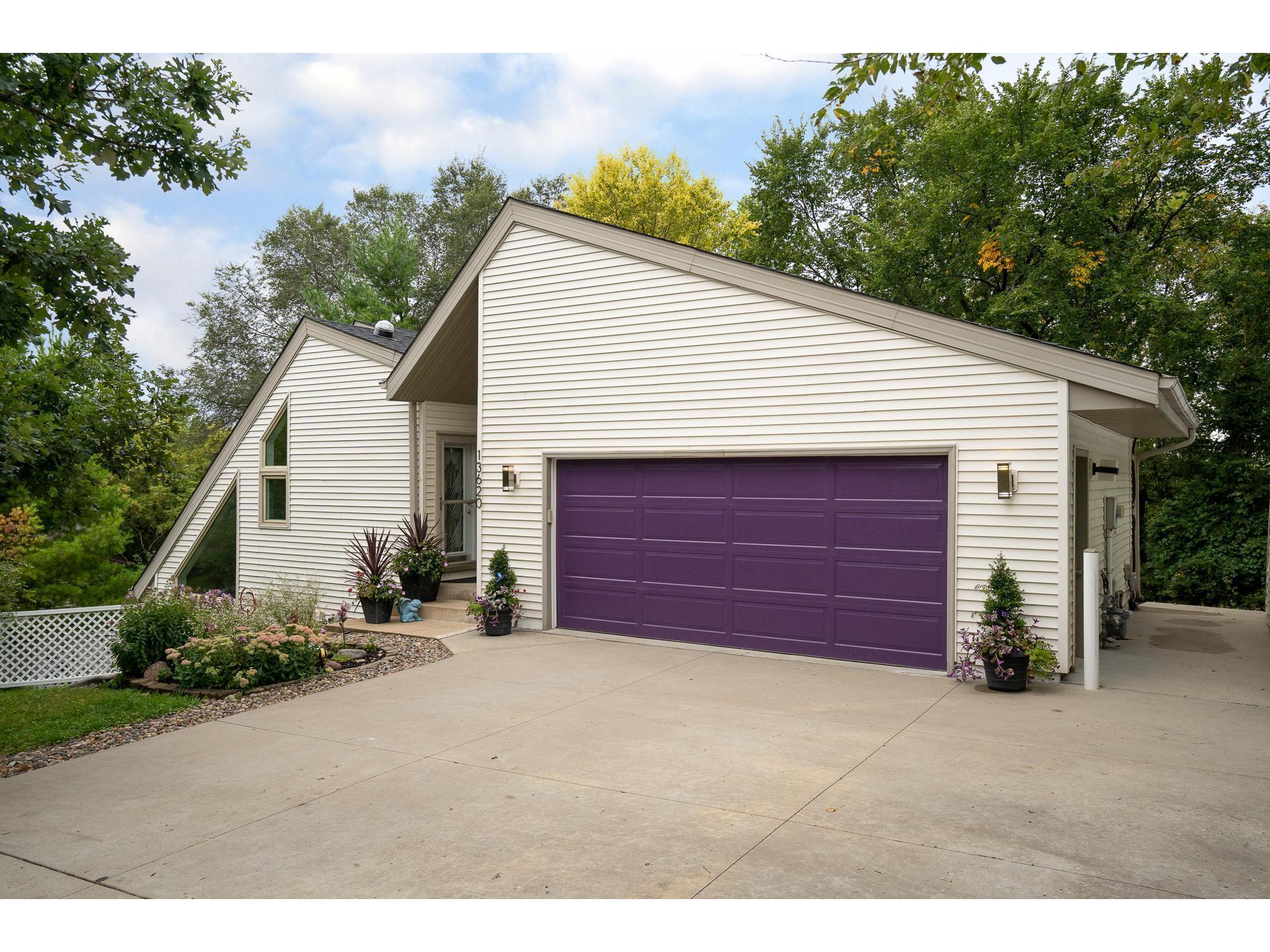 13620 Vincent Circle, Burnsville, MN 55337 | MLS: 5656598 ...