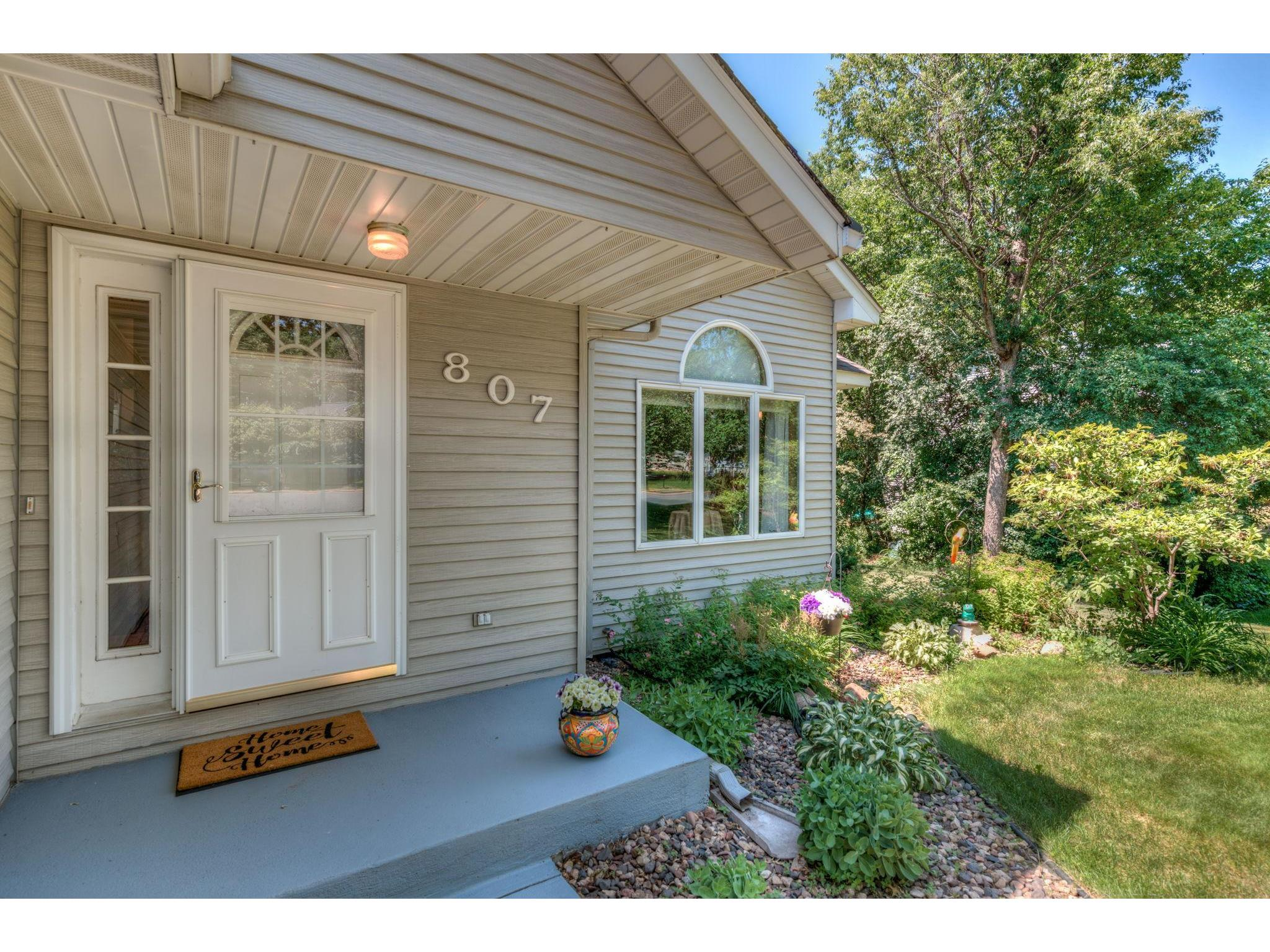 807 Summit Lane N, North Hudson, WI 54016 | MLS: 5609460 ...