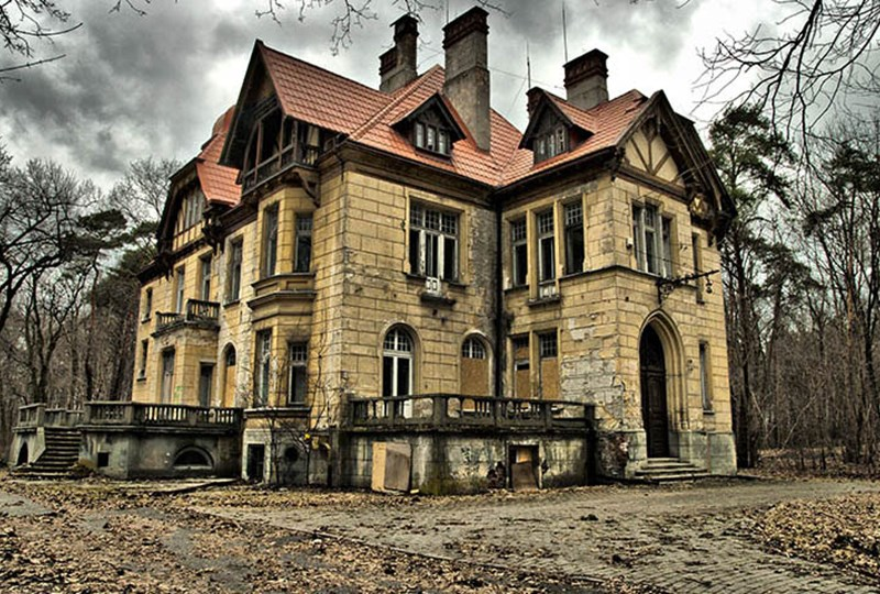 exploring minnesotas three most haunted houses edina realty