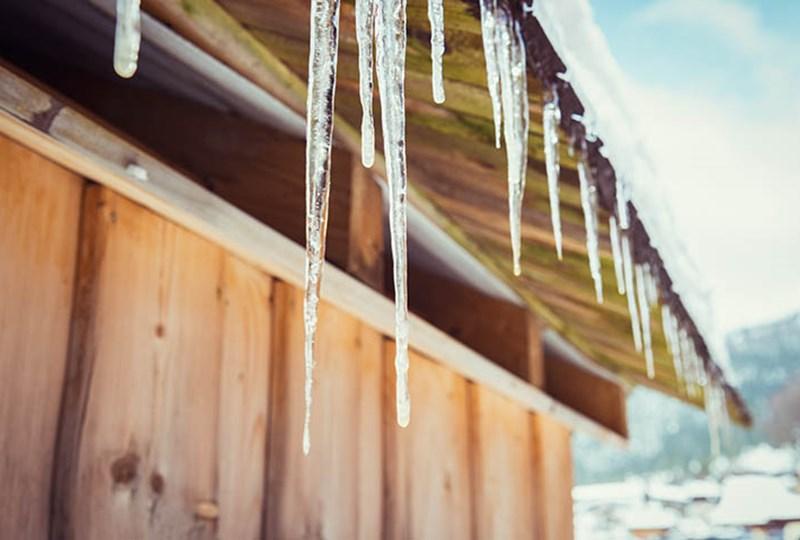 Prevent ice dams winter homes