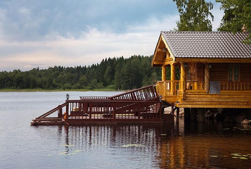 Time to buy lake home