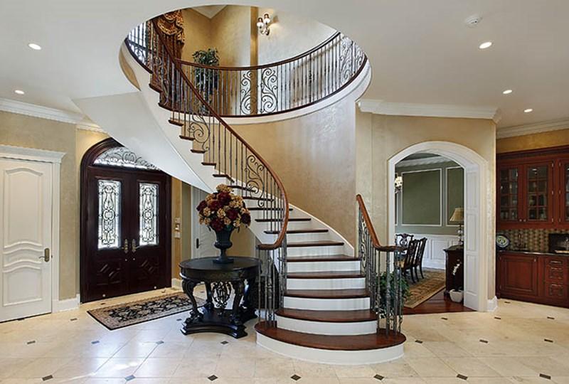 Luxury home sales increase