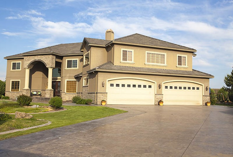 Luxury homes outpacing regular market