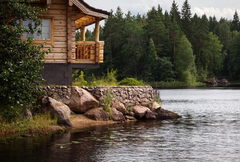 buying a lake home tips