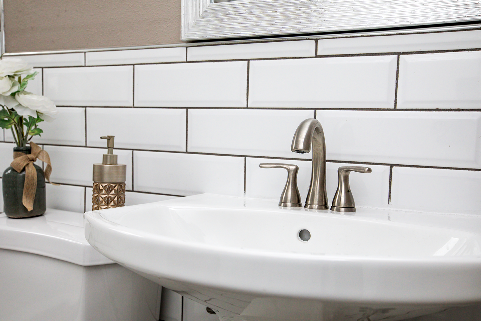 How To Use Tile To Make A Bathroom Look Bigger Edina Realty