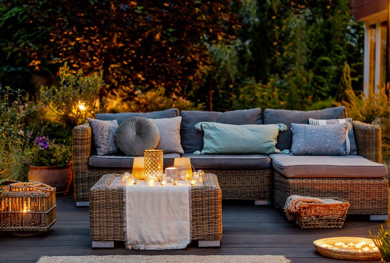 Hot summer trend: Inviting outdoor spaces