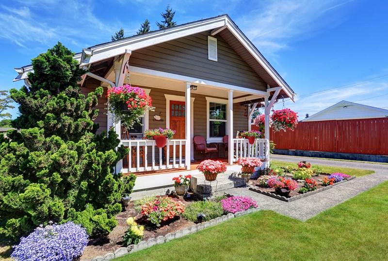 Curb appeal checklist for sellers