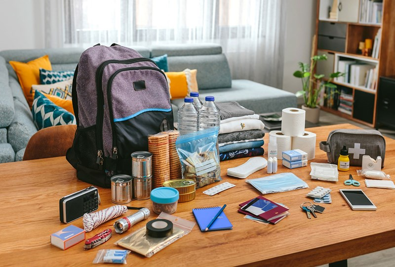 Items to keep in an emergency kit at home
